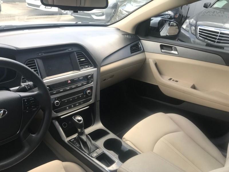 Hyundai Sonata 2016 price $18,900