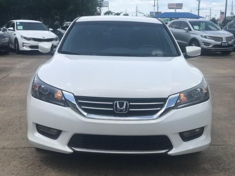 Honda Accord 2015 price $15,900