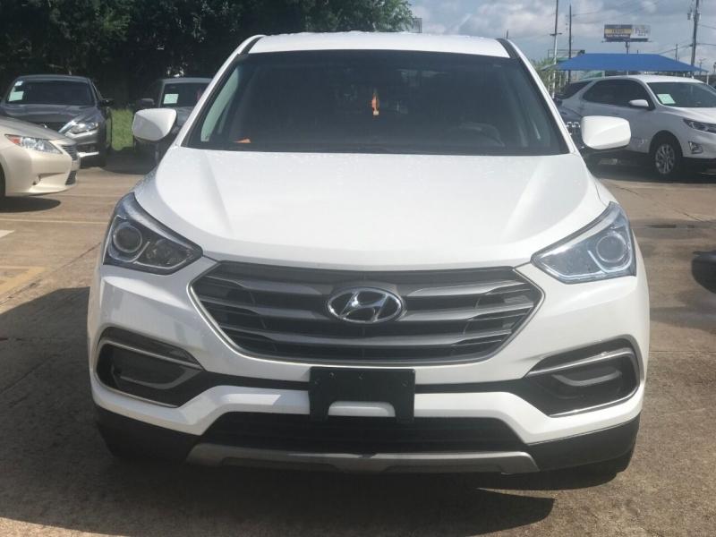 Hyundai Santa Fe Sport 2017 price $19,900