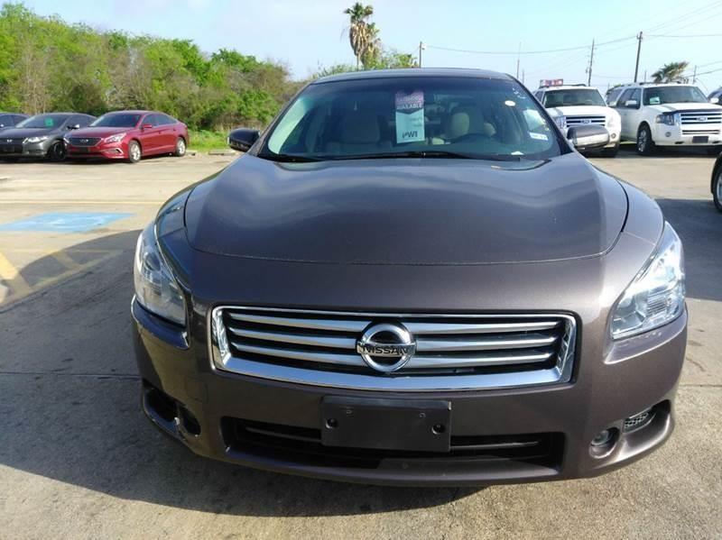 Nissan Maxima 2014 price $10,900
