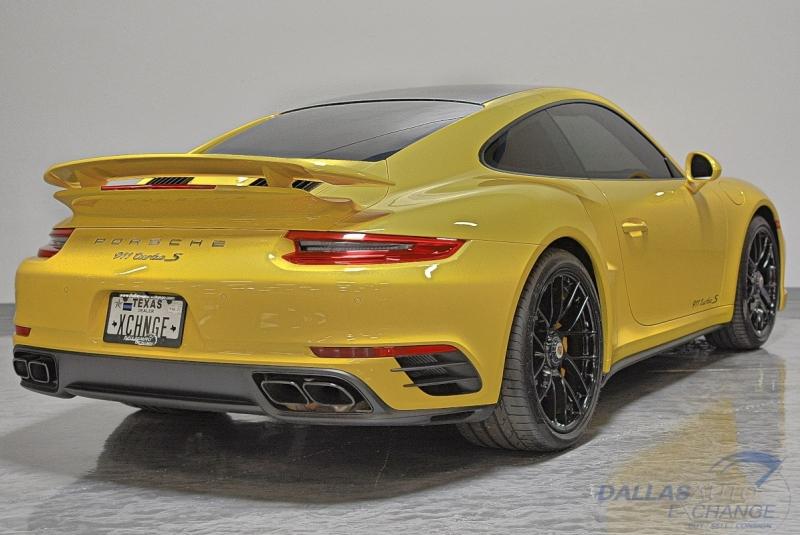 Porsche 911 2019 price $179,989