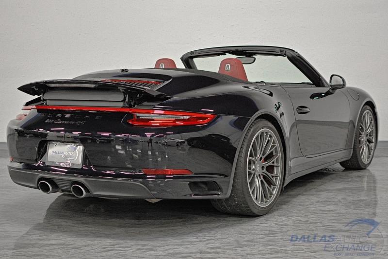 Porsche 911 2017 price $111,989