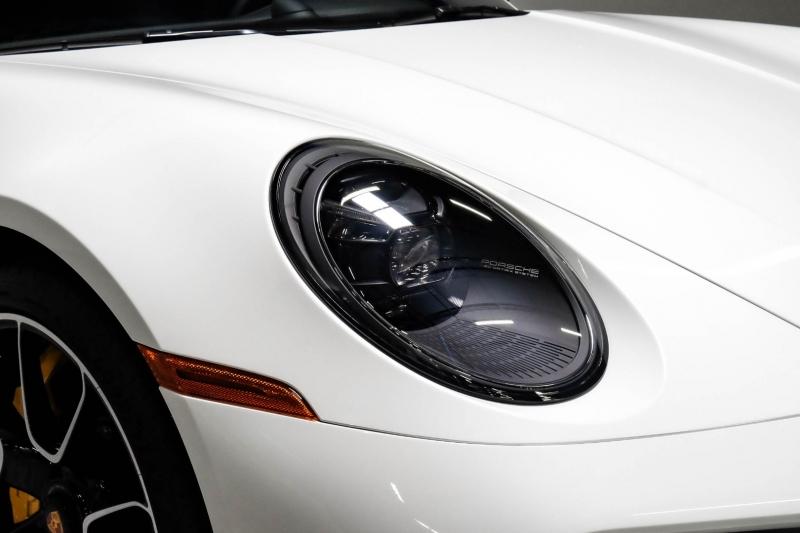 Porsche 911 2021 price $289,989