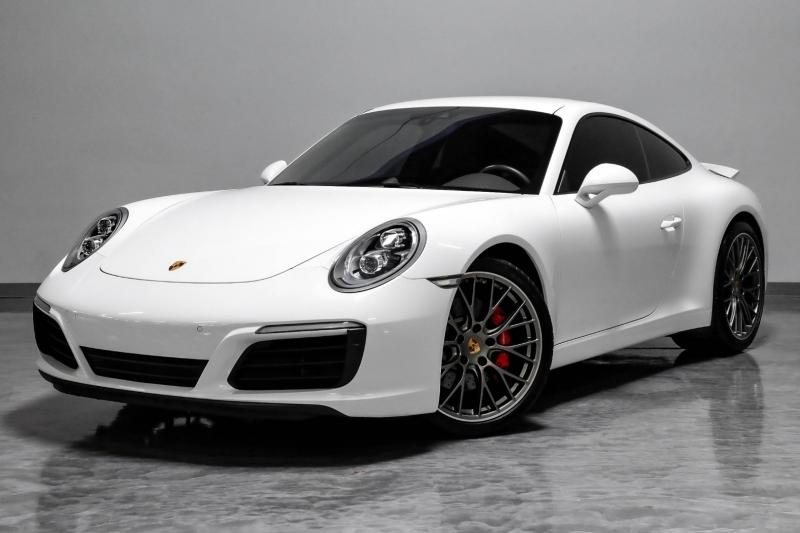 Porsche 911 2018 price $118,989
