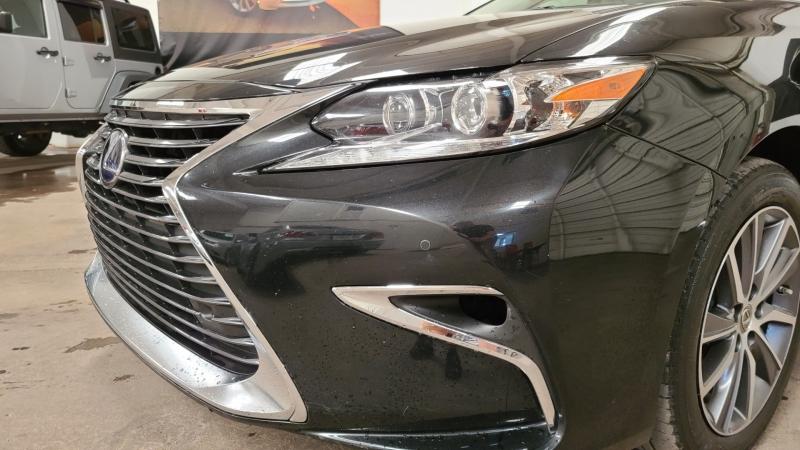 Lexus ES 2017 price $23,990