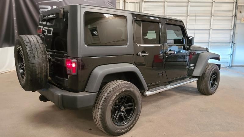 Jeep Wrangler Unlimited 2014 price $25,990