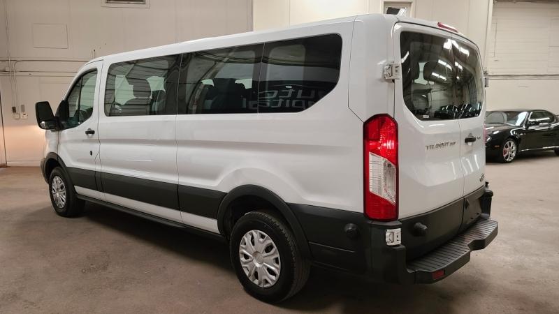 Ford Transit Wagon 2017 price $22,490