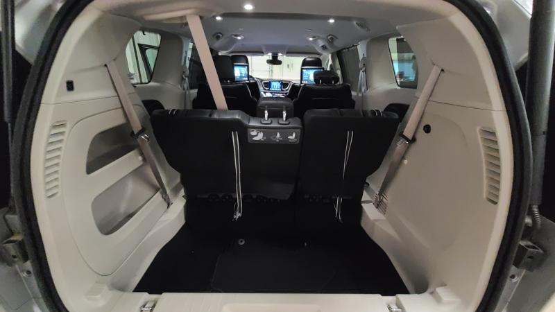 Chrysler Pacifica 2017 price $20,990