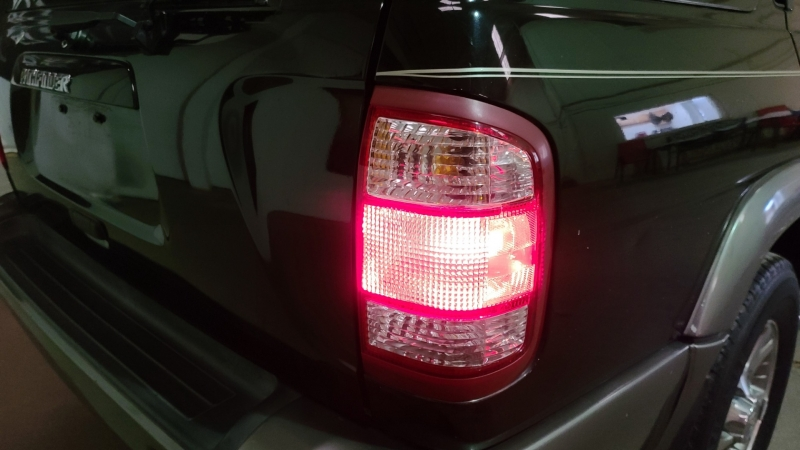 Nissan Pathfinder 2000 price $4,490