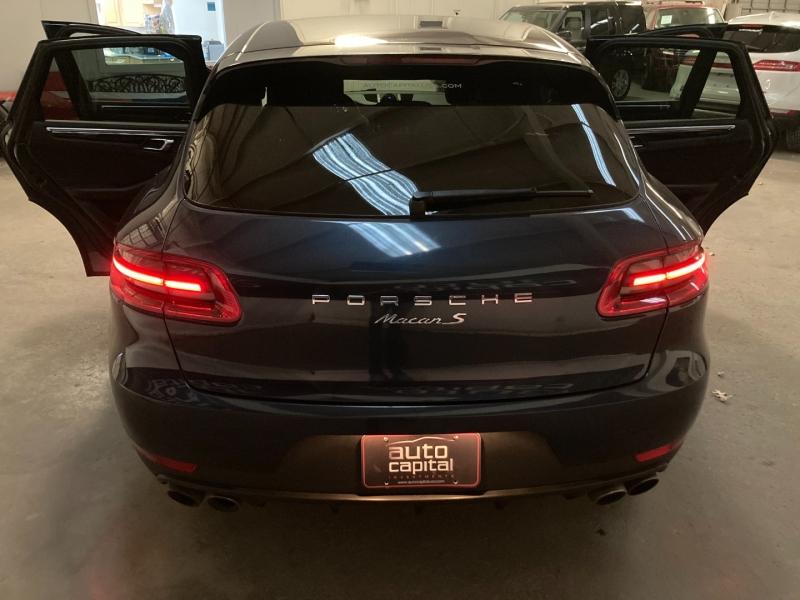 Porsche Macan 2015 price $27,490