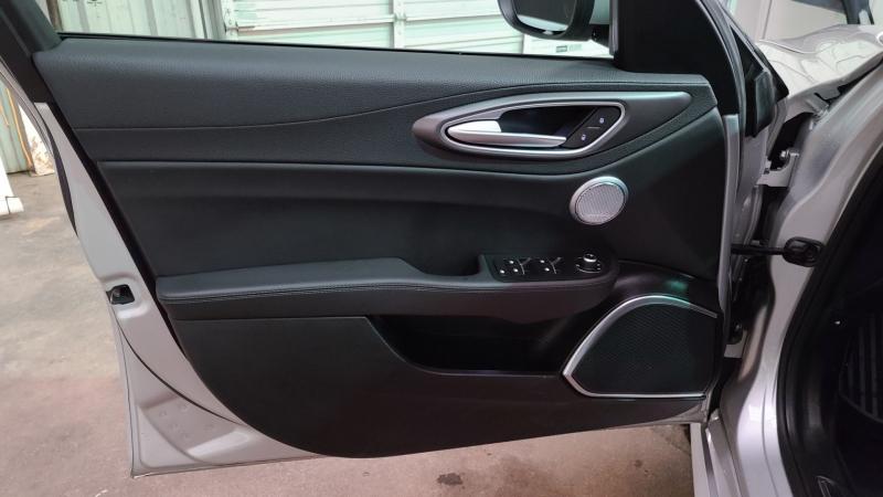 Alfa Romeo Giulia 2017 price $24,990