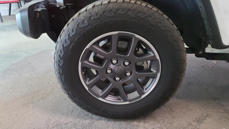 Jeep Gladiator Altitude 2020 price $39,990