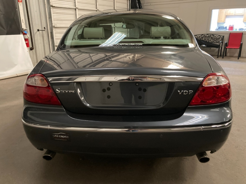 Jaguar S-TYPE 2005 price $8,990