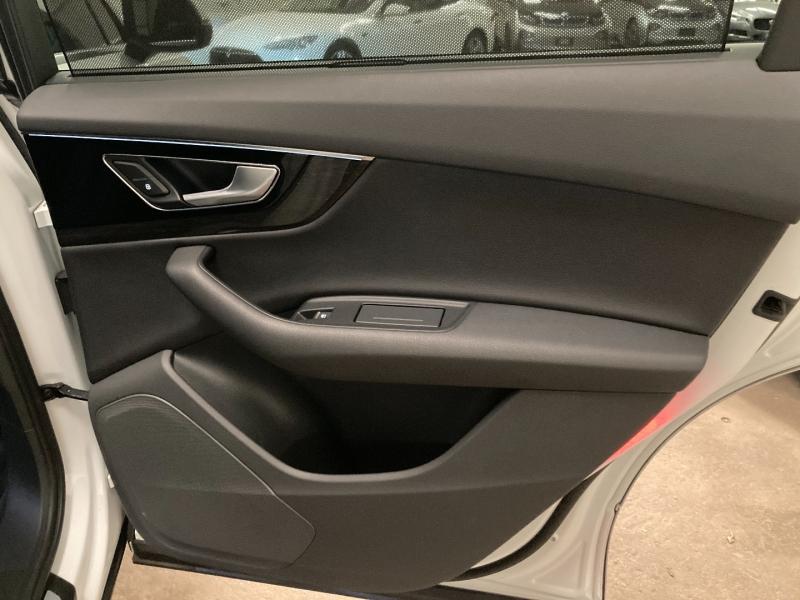 Audi Q7 2017 price $29,990