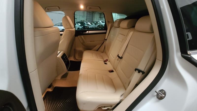Volkswagen Touareg 2012 price $13,990