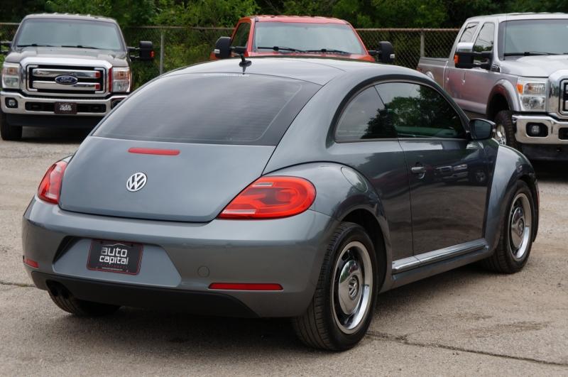 Volkswagen Beetle Coupe 2013 price $10,990