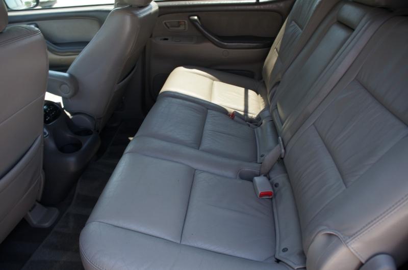 Toyota Sequoia 2006 price $10,990