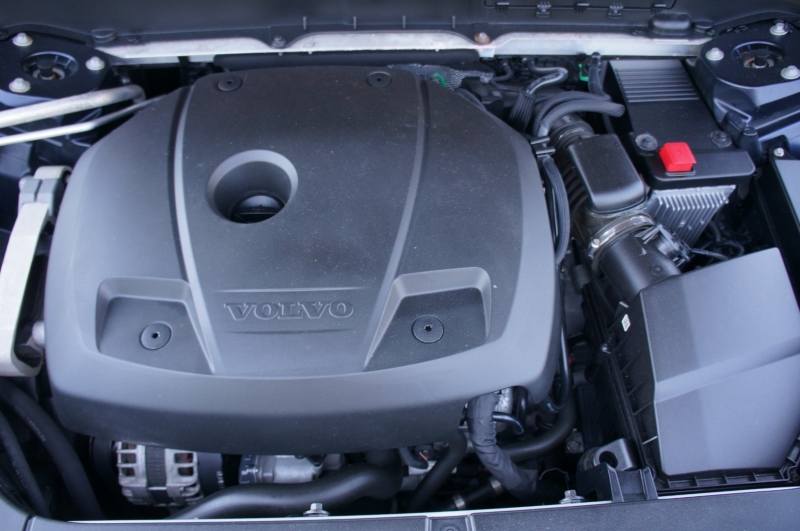Volvo XC90 2017 price $31,990