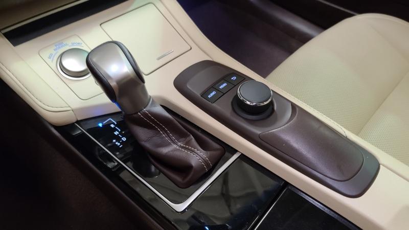 Lexus ES 350 2016 price $24,990