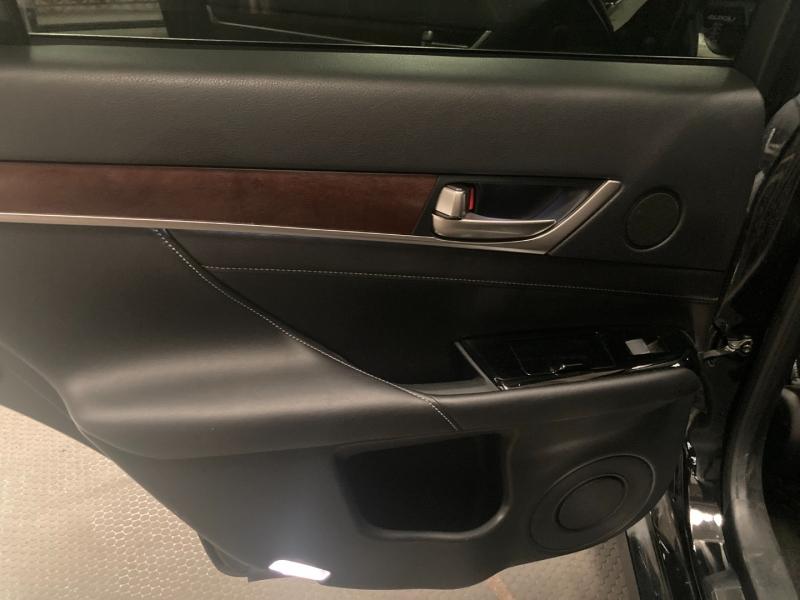 Lexus GS 350 2015 price $25,990