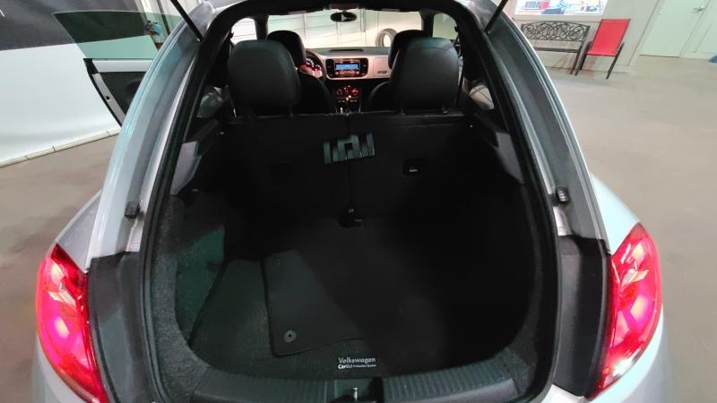 Volkswagen Beetle 2012 price $13,990