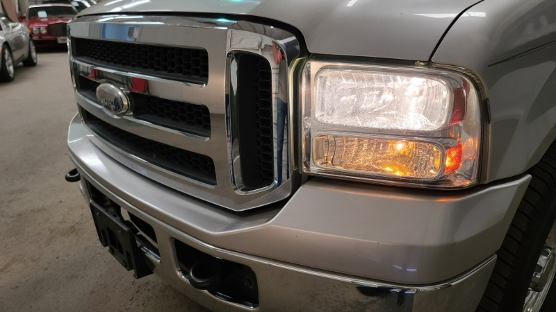 Ford Excursion 2005 price $13,990