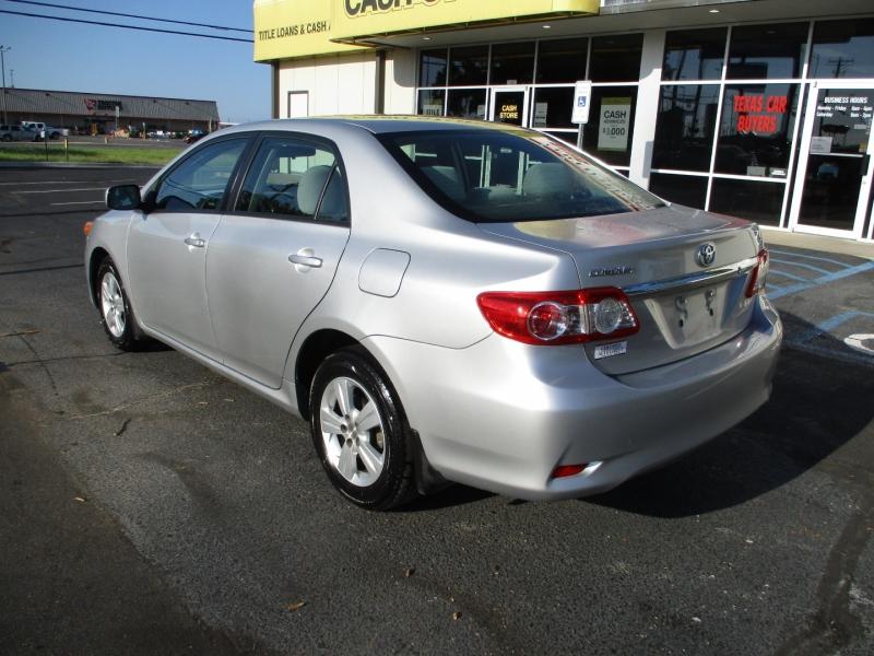 Toyota Corolla 2011 price Call for Price
