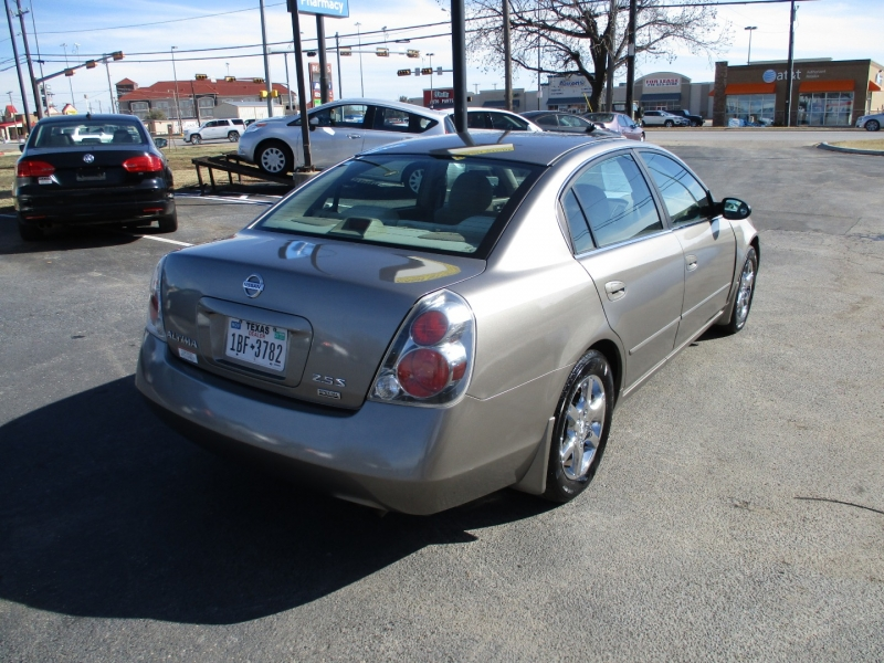 Nissan Altima 2006 price Call for Price