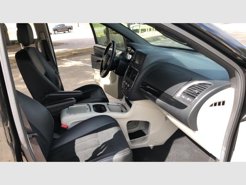 Dodge Grand Caravan 2018 price $11,750