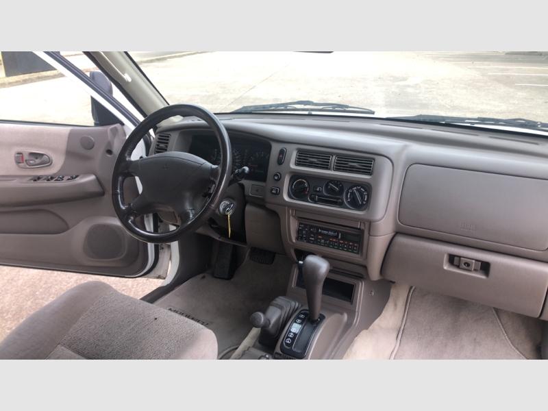 Mitsubishi Montero Sport 1997 price $3,999