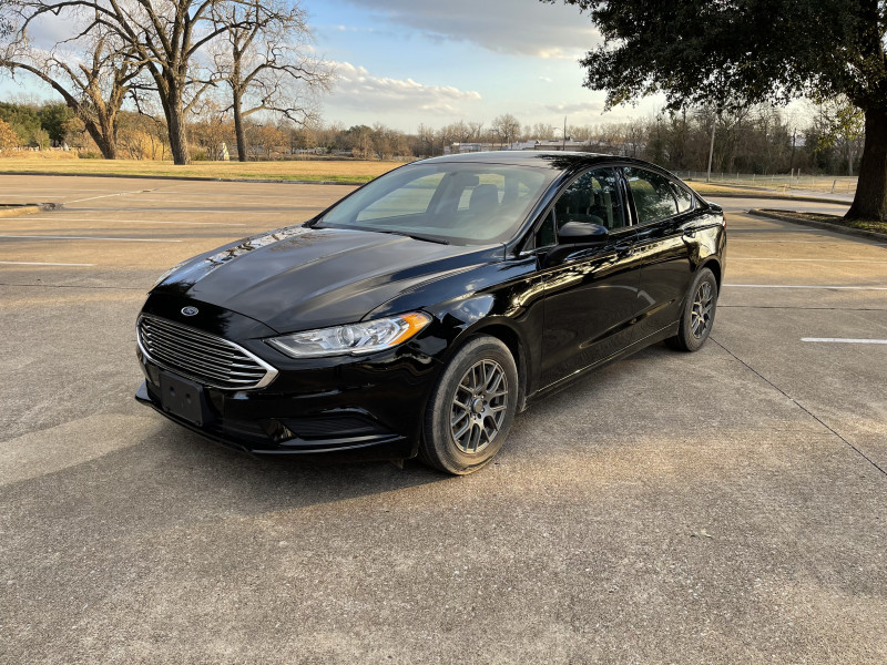 Ford Fusion 2018 price $11,999