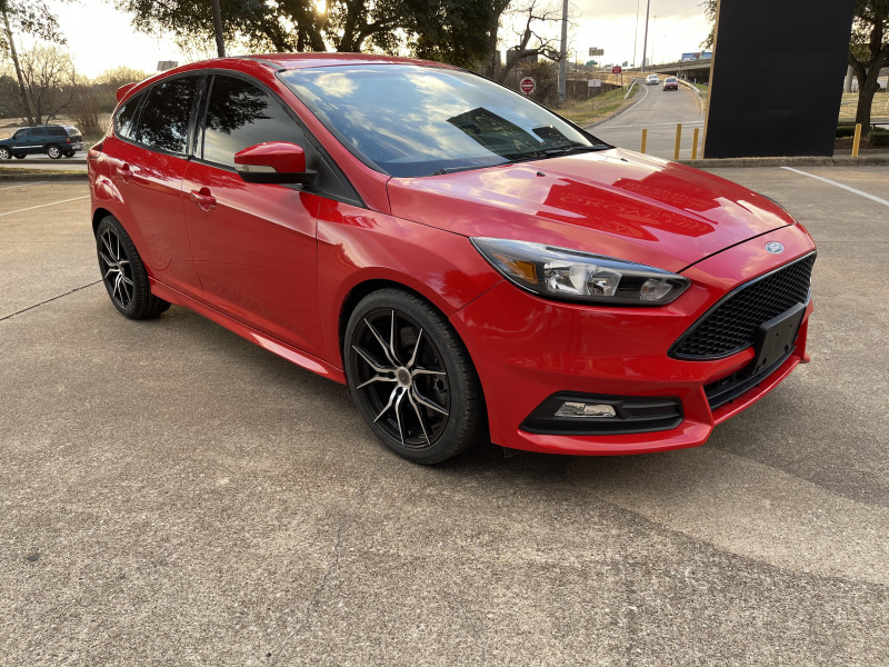 Ford Focus 2015 price $10,999