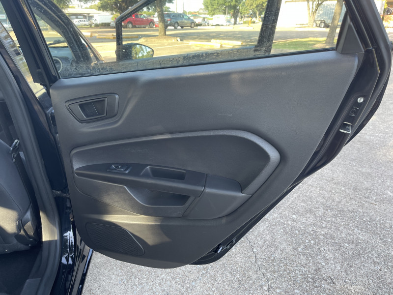 Ford Fiesta 2018 price $9,999