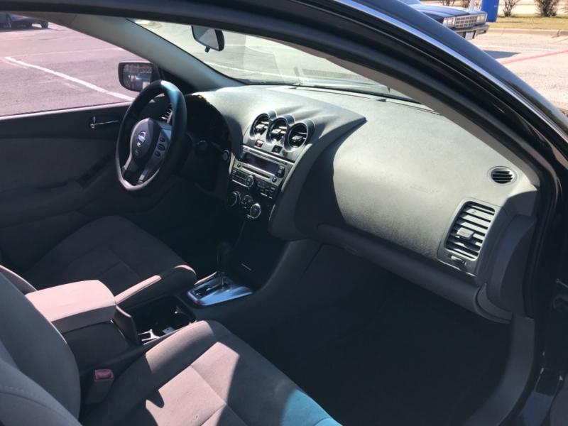 Nissan Altima 2011 price $4,500 Cash