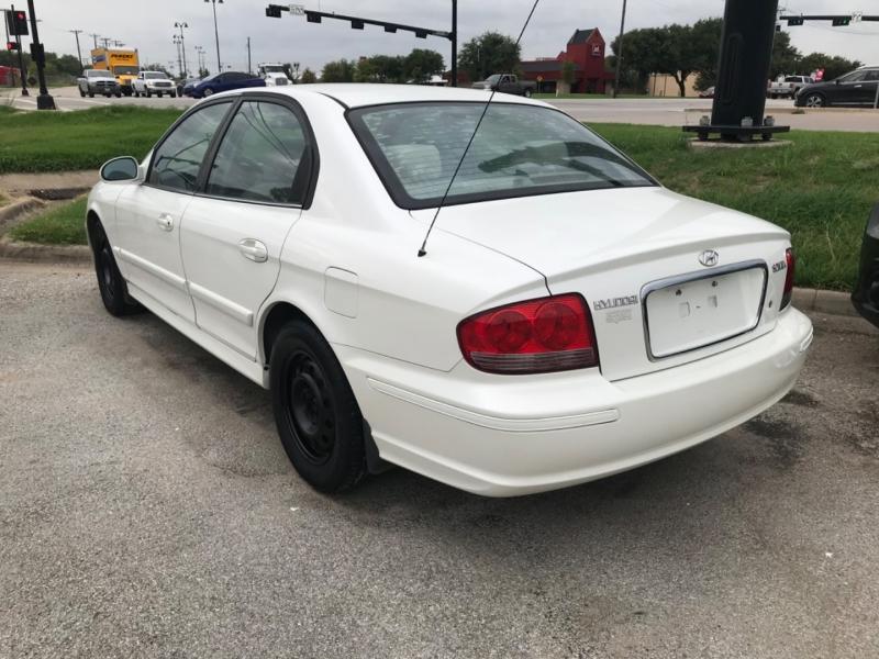 Hyundai Sonata 2005 price $2,500 Cash