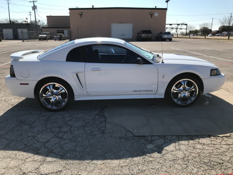 Ford Mustang 2001 price $3,500 Cash