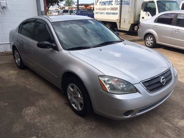 Nissan Altima 2003 price $1,975