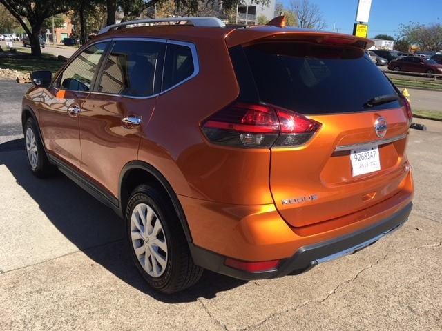 Nissan Rogue 2017 price $14,396