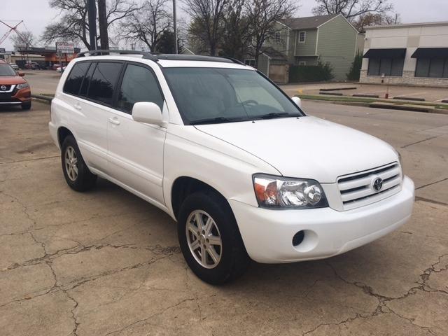 Toyota Highlander 2004 price $5,996