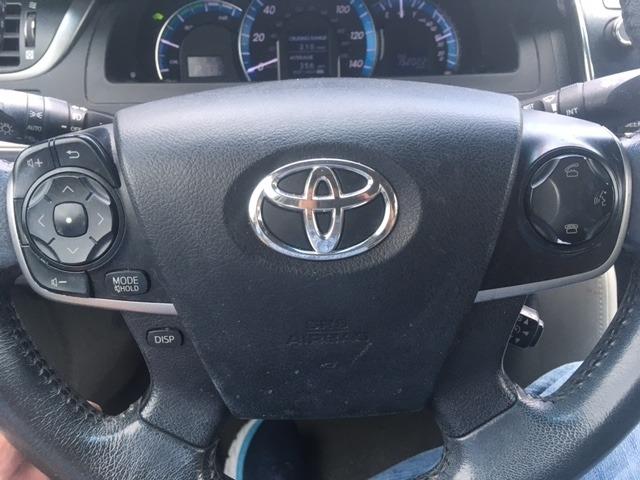 Toyota Camry Hybrid 2012 price $7,996