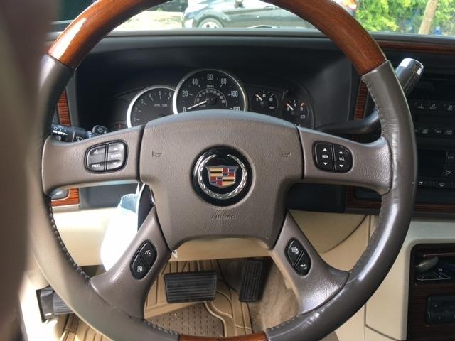 Cadillac Escalade 2004 price $8,496