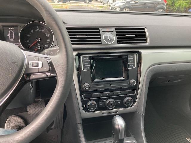 Volkswagen Passat 2017 price $21,996