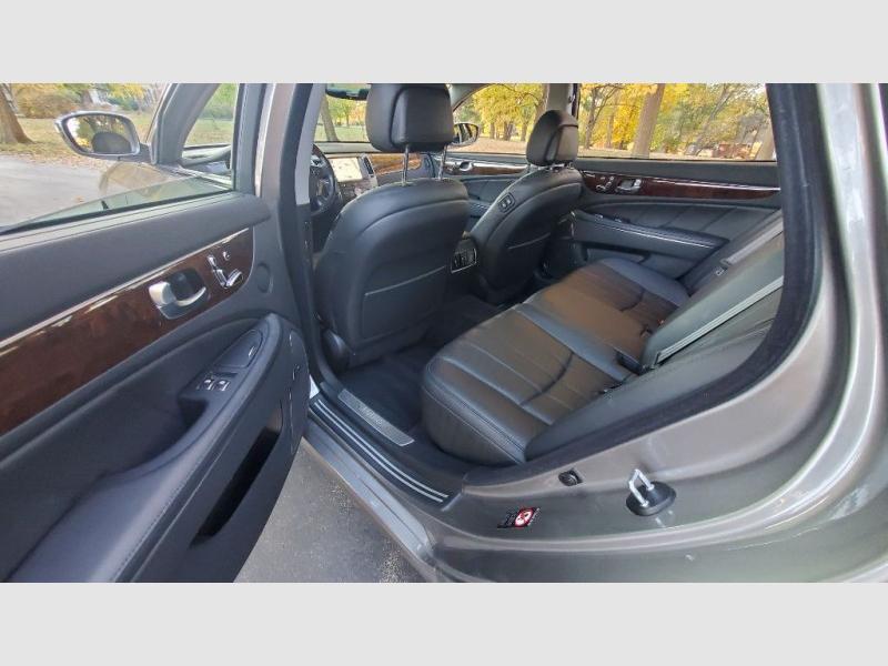 HYUNDAI EQUUS 2011 price $9,951