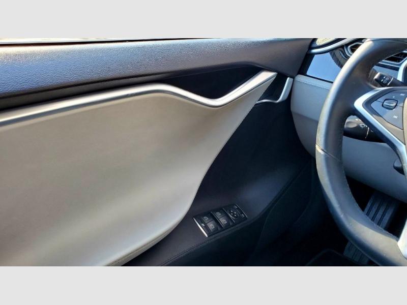 Tesla Model S 2013 price $24,656