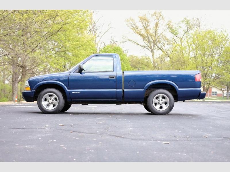Chevrolet S-10 2002 price $10,856