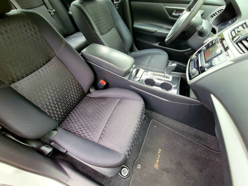 Nissan Altima 2018 price $17,956