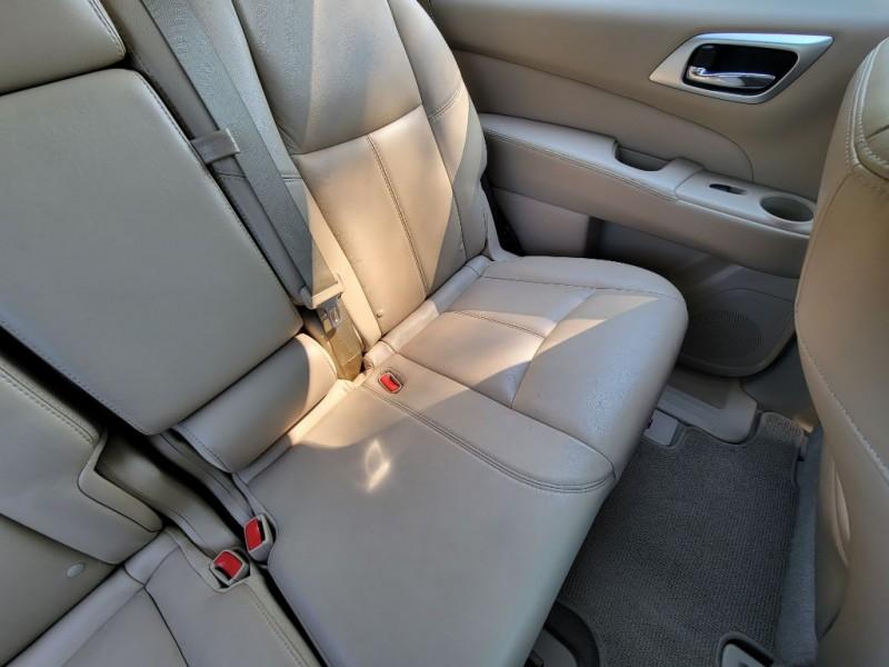 Nissan Pathfinder 2013 price $12,525