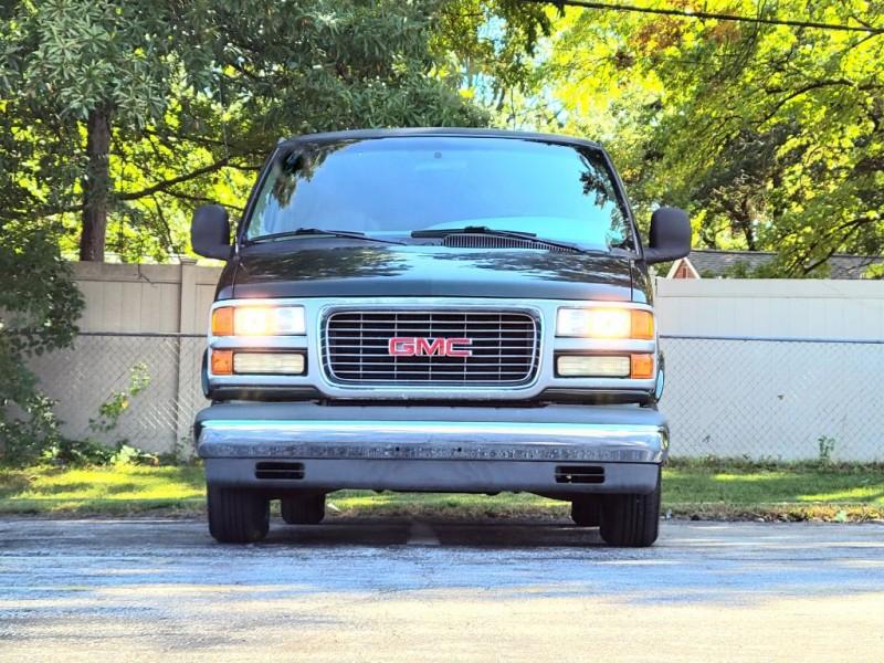 GMC Savana Special 2001 price $9,840