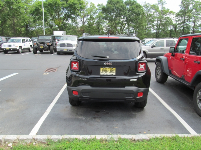 Jeep Renegade 2017 price $17,495