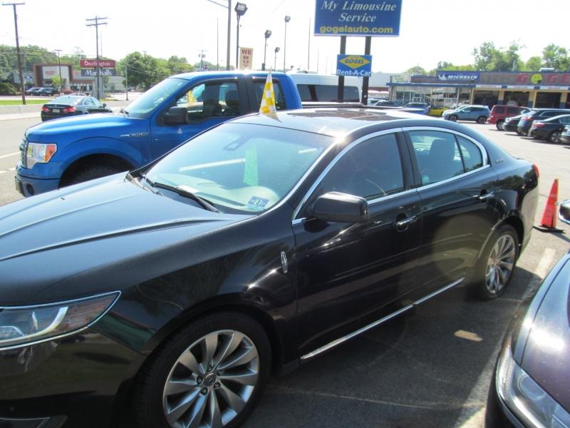 Lincoln MKS 2016 price $8,595